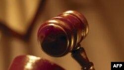 SHBA: Gjykata pezullon dëbimin e bashkëshortes së një shtetaseje homoseksuale