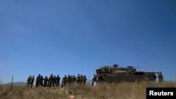 2014年6月22日以色列士兵在戈蘭高地站。