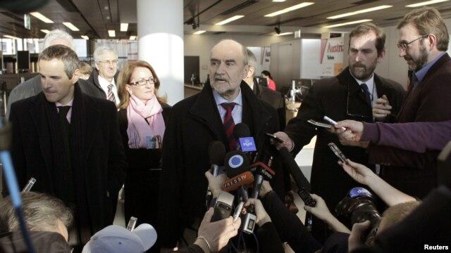 Herman Nackaerts, kepala delegasi Badan Energi Atom Internasional (IAEA), saat memberi keterangan kepada pers di Vienna, Austria  (Foto: dok). Para penyidik PBB tengah berada di Iran untuk mencari kesepakatan terkait program nuklir negara itu, Rabu (13/2).