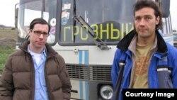 Грегори Фейфер (слева)
