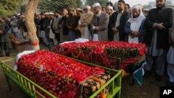 Tang lễ của học sinh bị giết trong vụ tấn công trường học ở Peshawar, Pakistan, 17/12/14