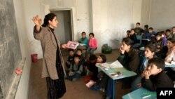 В Таджикистане детям запретили ходить в мечеть
