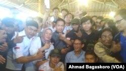 Sandiaga saat menghadiri diskusi Gerakan Milenial Indonesia di Kalideres, Jakarta. (Foto: VOA/Ahmad Bhagaskoro)