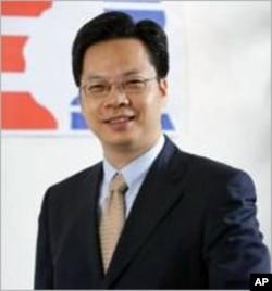 台湾经济研究院副院长龚明鑫