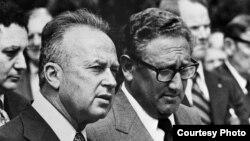 Ицхак Рабин и Генри Киссинджер. Кадр из фильма «Премьер-министры. Солдаты и миротворцы». Courtesy photo