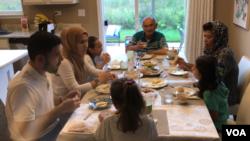 AQShdagi o'zbeklar: mustahkam oila siri ayollarga munosabatda