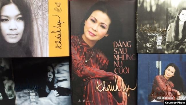 CD nhạc và sách của Khánh Ly đã được phát hành tại Việt Nam (ảnh Bùi Văn Phú)