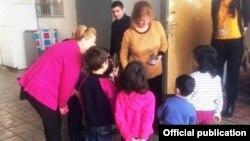 USAID-in missiya direktoru Mikaela Meredis Azərbaycan Uşaqlar Birliyində