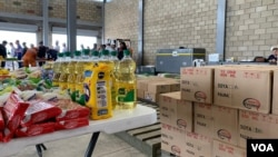 Un centre de collecte pour l'aide humanitaire destinée au Venezuela, à Cúcuta, Colombie.