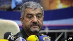 Komandan Garda Revolusi Iran, Mohammad Ali Jafari mengatakan, Teheran siap memberikan bantuan militer kepada Damaskus jika Suriah diserang pasukan asing (16/9).