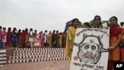 বাংলাদেশের আইন মন্ত্রীর কড়া সমালোচনা করলেন সুরঞ্জিত সেনগুপ্ত