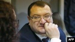 Ông Yuriy Grabovsky, luật sư đại diện cho một trong hai binh sĩ người Nga bị xét xử về cáo buộc khủng bố.