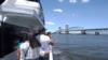 뉴욕 맨해튼에 나타난 고래 떼...난민들이 꿈을 이루는 '레퓨지커피'