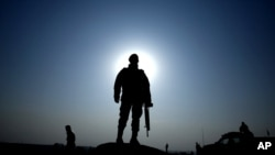 په لیک کې د امریکا د نوې ادارې نه غوښتل شوي دي چې د افغانستان د امنیتي او دفاعي قواوو په قوي کیدو دې غور وشي.