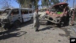 پشاور: کار بم دھماکے میں 12 ہلاک