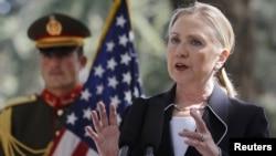 Američka državna sekretarka Hilari Klinton na današnjoj konferenciji za novinare u Kabulu