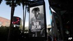 Un panneau à Las Vegas félicite Bob Dylan,le 13 octobre 2016, après qu'il a gagné le prix Nobel de littérature.