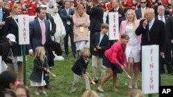 白宫南草坪一年一度复活节滚彩蛋活动