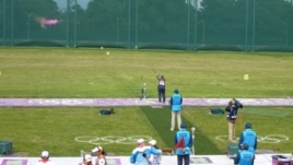 American shooter Kimberly Rhode hits her target during the women's skeet shooting competition. (VOA - P. Brewer)