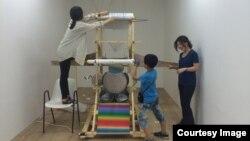 23일 서울 금천예술공장에서 탈북 청소년이 '예술가와 1박 2일' 체험 교육을 하고 있다.