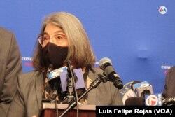 La alcaldesa del condado Miami-Dade estuvo presente en la conferencia de prensa del 23 de septiembre de 2021 en el vecindario conocido como Pequeño Haití en Miami, Florida.
