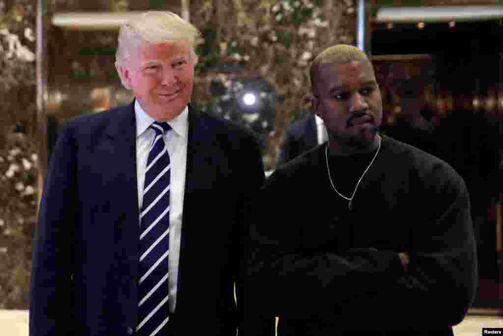 دیدار دونالد ترامپ، رئیس جمهوری منتخب آمریکا و کانیه وست، خواننده معروف آمریکای در برج ترامپ در شهر نیویورک. آنها گفتند مدتهاست دوست هستند. کانیهوست همسر کیم کارداشیان است.