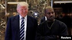 Le président Donald Trump et Kanye West à New York, le 13 décembre 2016.