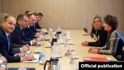 Susret Visoke predstavnice Federike Mogerini sa kosovskom delegacijom u Briselu