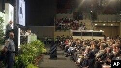 ေတာင္အာဖရိက သမၼတ Jacob Zuma ရာသီဥတုေျပာင္းလဲမႈဆိုင္ရာ ညီလာခံ အဖြင့္မိန္႔ခြန္း ေျပာၾကားေနစဥ္။ (ႏို၀င္ဘာလ ၂၈၊ ၂၀၁၁)