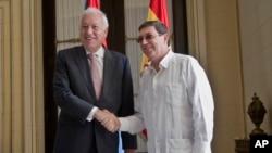 El ministro español de Asuntos Exteriores, José Manuel García-Margallo se reunió con el canciller cubano Bruno Rodríguez en La Habana.