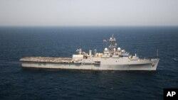 Kapal Amerika berlayar dari Teluk Persia menuju Bahrain. (Foto: Dok)
