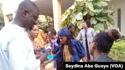 Coumba Touré et des membres Trust Africa, à Bamako, le 18 mars 2019. (VOA/Seydina Aba Gueye)