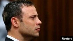 Vận động viên Pistorius nghe đọc bản án trong phiên tòa Phúc thẩm ở Pretoria, 12/9/14