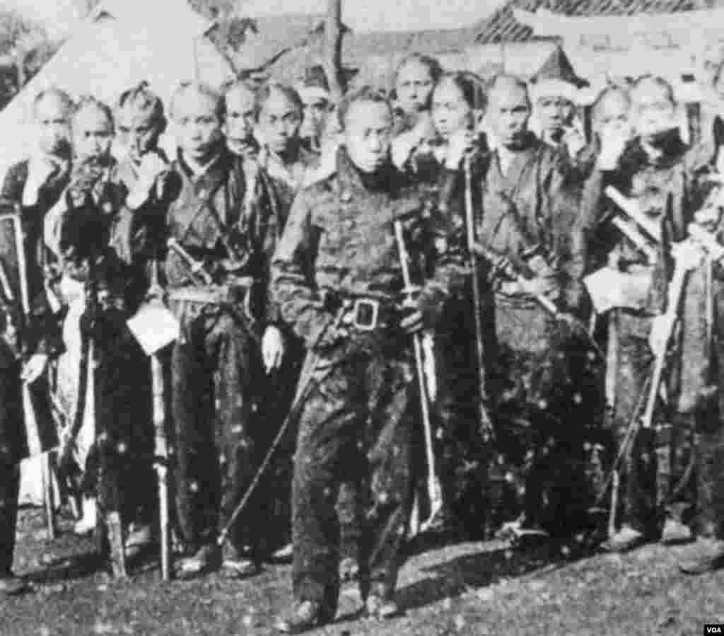 Yapon samuraylarının sonuncu məlum fotosu. Artıq o vaxt samurayların çoxu saçlarını kəsmişdi. 1868.
