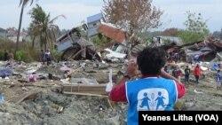 Puing-pung bangunan rumah warga yang rusak terdampat likuifaksi di kelurahan Petobo, Kecamatan Palu Timur, Sulawesi Tengah, 11 Oktober 2018. (Foto: Yoanes Litha)