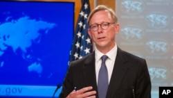 美国伊朗问题特别代表胡克2018年8月16日在国务院见记者(美联社)