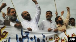 Dân bộ tộc Pakistan biểu tình chống những vụ tấn công bằng máy bay không người lái ở Miran Shah