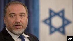 Menteri Luar Negeri Israel Avigdor Lieberman mengatakan Israel akan menolak perubahan apapun atas perjanjian Camp David.