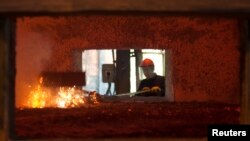 Pabrik pengolahan bijih aluminium di Podgorica, Yugoslavia. (Foto: Ilustrasi)