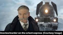 «کنت برانا» کارگردان فیلم «قتل در قطار سریع السیر شرق»، خود نقش «هرکول پوآرو» را بازی میکند.