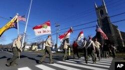 Los Boy Scouts de Estados Unidos pospusieron una decisión sobre levantar la prohibición de personas homosexuales en sus filas.