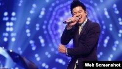 Tân quán quân Vietnam Idol gốc Việt Trọng Hiếu. (Ảnh chụp từ trang Thanh Nien).