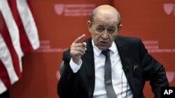 លោក Jean-Yves Le Drian រដ្ឋមន្ត្រីការបរទេសបារាំងថ្លែងនៅសាលា Kennedy School of Government នៃសាកលវិទ្យាល័យ Harvard កាលពីថ្ងៃទី២៨ ខែកញ្ញា ឆ្នាំ២០១៨។