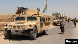 지난 10일 아프가니스탄 정부군 병력이 최근 탈레반과의 교전이 격화된 남부 헬만드주 나드알리에 도착했다. (자료사진)