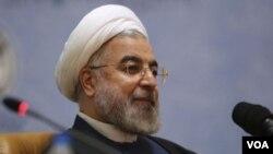 ປະທານາທິບໍດີ ອິຣ່ານ ທ່ານ Hassan Rouhani ເຂົ້າຮ່ວມ ກອງປະຊຸມ ອົງການສາມັກຄີອິສລາມນາໆຊາດ ຄັ້ງທີ 27th ທີ່ກຸງເຕຫະຣານ ວັນທີ 17 ເດືອນມັງກອນ.