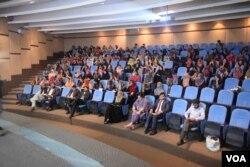 پنجاب یونیورسٹی لاہور میں منعقد ہونے والے سائنس کے ایک سیمنار کے شرکا۔