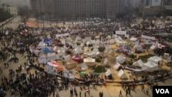 图片报道:埃及抗议风潮高涨
