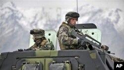 تهیۀ مسودۀ محور زمانی انتقال مسؤولیت های امنیتی به نیروهای افغان