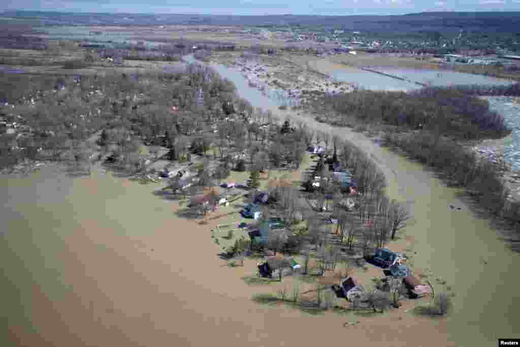 A view from a Canadian Forces helicopter shows the flooded region of Rigaud, Quebec, April 21, 2019.