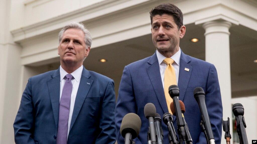 Ông Paul Ryan thông báo cho các phóng viên về ý định của ông Trump sau cuộc họp ở Nhà Trắng